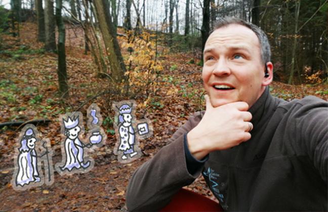Jan im Wald, darüber sinnierend was das Employer Branding von den Sternsingern lernen kann